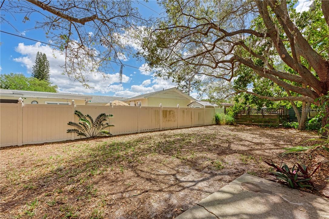 Single Family Home for sale at 3935 S Shade Ave, Sarasota, FL 34231 - MLS Number is A4489158