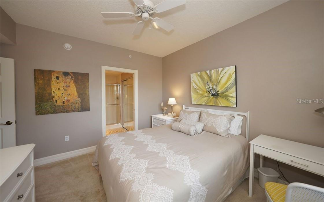 Perfect for guests - Condo for sale at 409 N Point Rd #402, Osprey, FL 34229 - MLS Number is A4491620