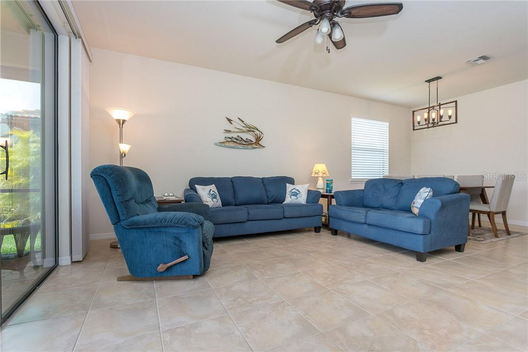 Lots of natural light - Villa for sale at 13883 Botteri St, Venice, FL 34293 - MLS Number is A4493523