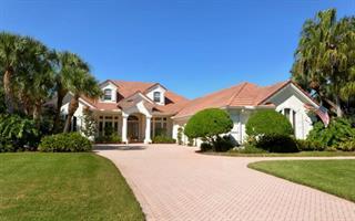 2710 Dick Wilson Dr, Sarasota, FL 34240