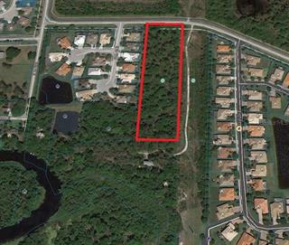 7114 Linger Lodge Rd E, Bradenton, FL 34203