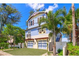 2907 F Ave, Holmes Beach, FL 34217