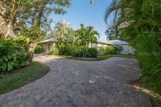 617 Siesta Dr, Sarasota, FL 34242