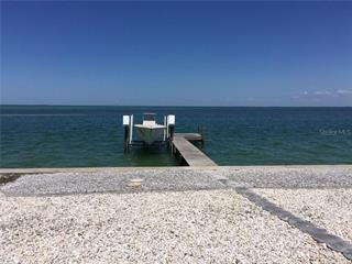 671 Key Royale Dr, Holmes Beach, FL 34217
