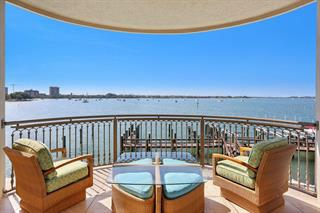 420 Golden Gate Pt #200b, Sarasota, FL 34236
