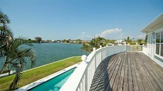 538 68th St, Holmes Beach, FL 34217