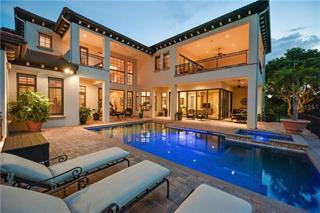 825 Tropical Circle, Sarasota, FL 34242