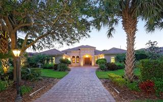 3548 Founders Club Dr, Sarasota, FL 34240