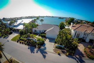 615 N Point Dr, Holmes Beach, FL 34217
