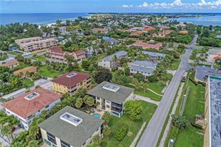 3704 6th Ave #8, Holmes Beach, FL 34217
