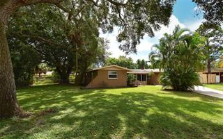 2838 Williamsburg St, Sarasota, FL 34231