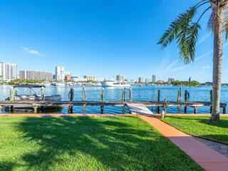 554 Golden Gate Pt #2, Sarasota, FL 34236