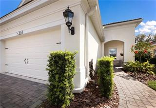 2114 Crystal Lake Trl, Bradenton, FL 34211