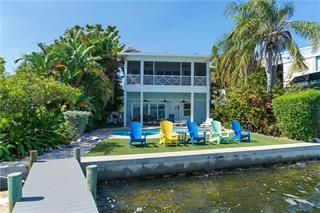 303 Bay Dr N, Bradenton Beach, FL 34217