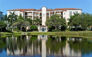 5420 Eagles Point Cir #402, Sarasota, FL 34231