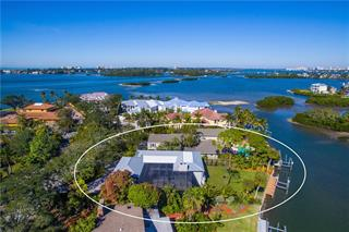 1207 N Lake Shore Dr, Sarasota, FL 34231