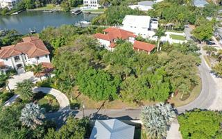 3960 Roberts Point Rd, Sarasota, FL 34242