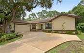 821 Forestview Dr, Sarasota, FL 34232