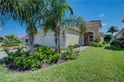 Villa for sale at 1303 Calle Grand St, Bradenton, FL 34209 - MLS Number is A4205346