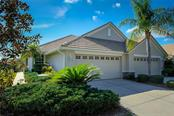 Villa for sale at 7026 Four Seasons Cir, Lakewood Ranch, FL 34202 - MLS Number is A4206664