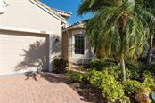 Single Family Home for sale at 4203 64th Dr E, Sarasota, FL 34243 - MLS Number is A4214950