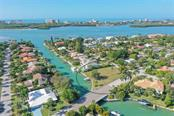 8 homes from the Bay - Vacant Land for sale at 656 S Owl Dr, Sarasota, FL 34236 - MLS Number is A4457438