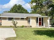 Exterior House - Single Family Home for sale at 4300 Eastern Pkwy, Sarasota, FL 34233 - MLS Number is A4464200
