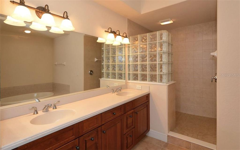 Master Bath - Condo for sale at 167 Tampa Ave E #513, Venice, FL 34285 - MLS Number is N5911190