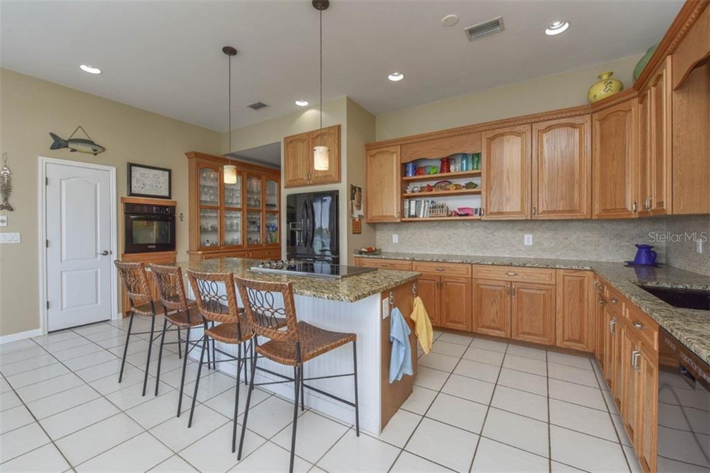 Additional photo for property listing at 725 El Dorado Dr  Venice, Florida,34285 United States