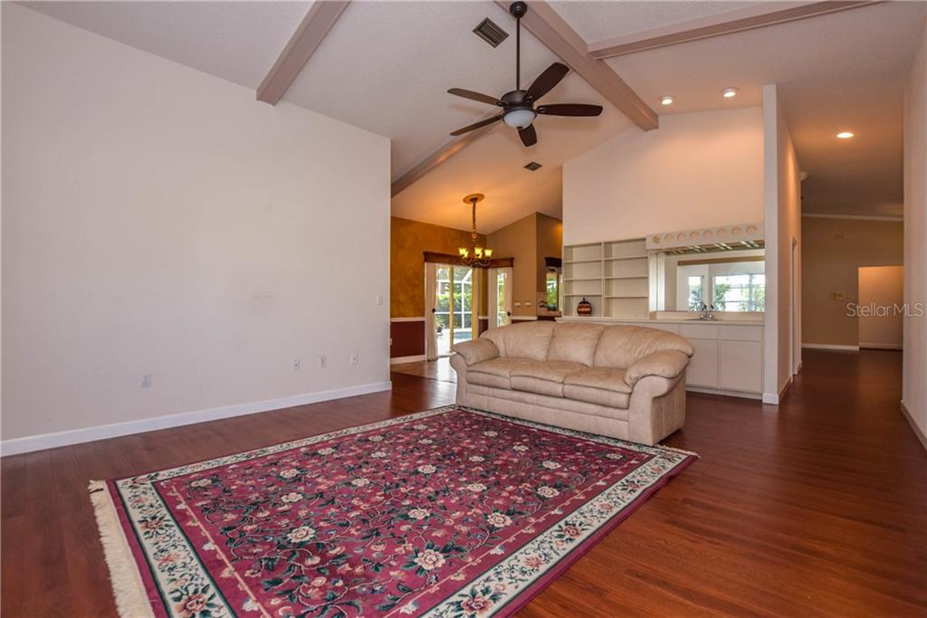 Master Bedroom - Single Family Home for sale at 512 Warwick Dr, Venice, FL 34293 - MLS Number is N5912872