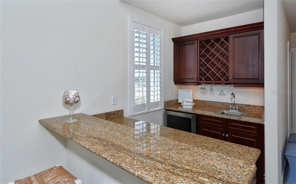 Wine Bar - Condo for sale at 157 Tampa Ave E #608, Venice, FL 34285 - MLS Number is N5912899