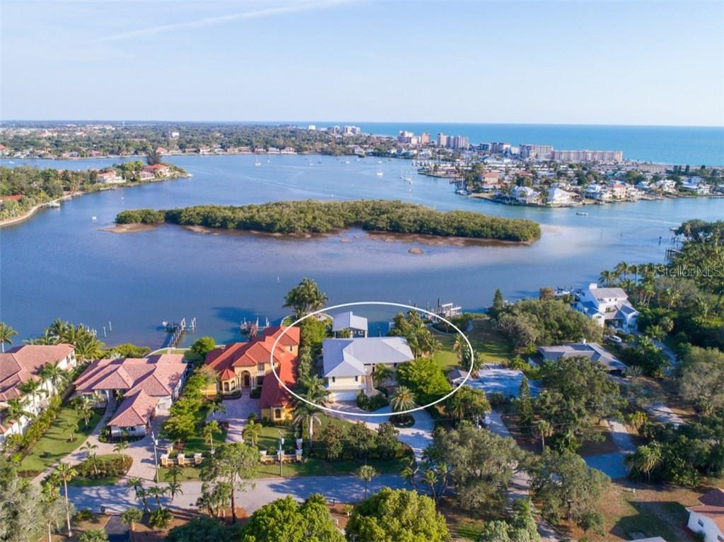 Aerial - Water View - Single Family Home for sale at 525 Bayview Pkwy, Nokomis, FL 34275 - MLS Number is N5912985