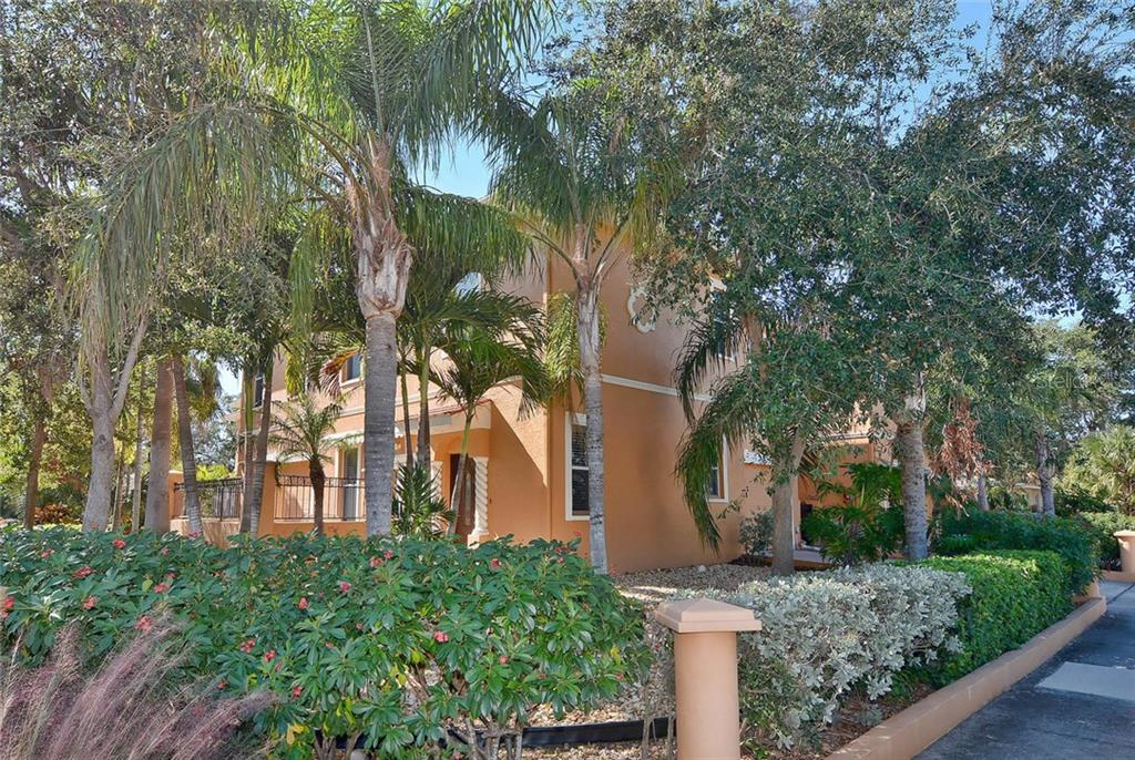 Exterior - Condo for sale at 501 Barcelona Ave #c, Venice, FL 34285 - MLS Number is N5913183