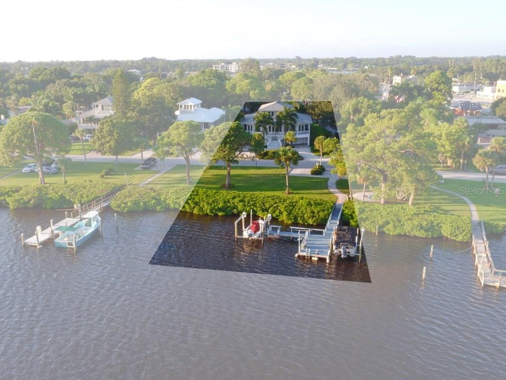 2-10,000 pound boat lifts on Roberts Bay - Single Family Home for sale at 200 Sunrise Dr, Nokomis, FL 34275 - MLS Number is N5914820