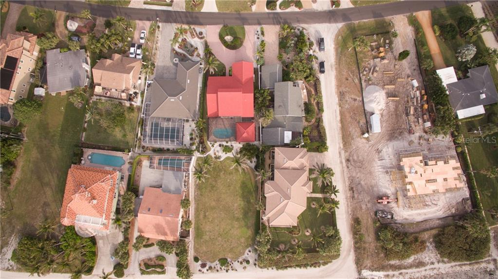 Single Family Home for sale at 729 Valencia Rd, Venice, FL 34285 - MLS Number is N5916323