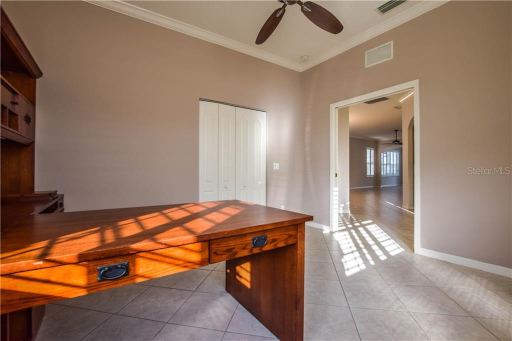 Villa for sale at 1606 Monarch Dr #1606, Venice, FL 34293 - MLS Number is N5916402