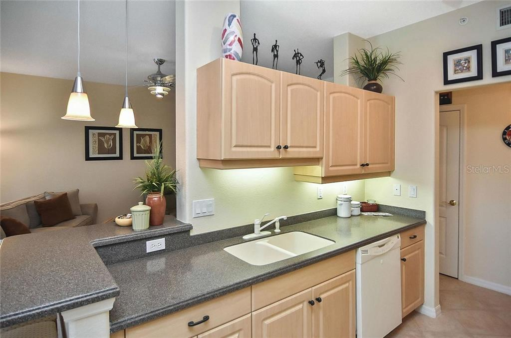 Kitchen - Condo for sale at 940 Cooper St #202, Venice, FL 34285 - MLS Number is N6101184