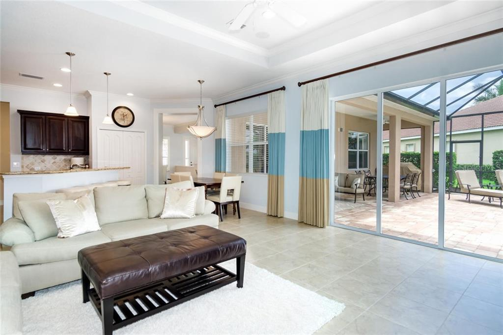 Custom Window Treatments - Single Family Home for sale at 368 Marsh Creek Rd, Venice, FL 34292 - MLS Number is N6101204