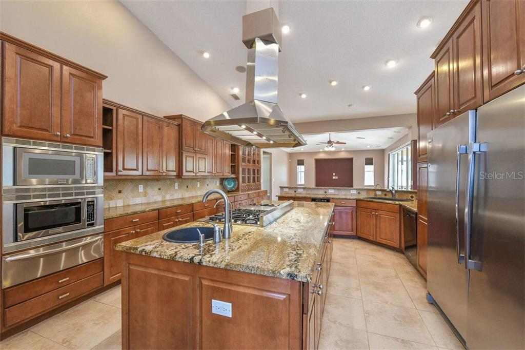 Kitchen - Single Family Home for sale at 9150 Deer Ct, Venice, FL 34293 - MLS Number is N6101408