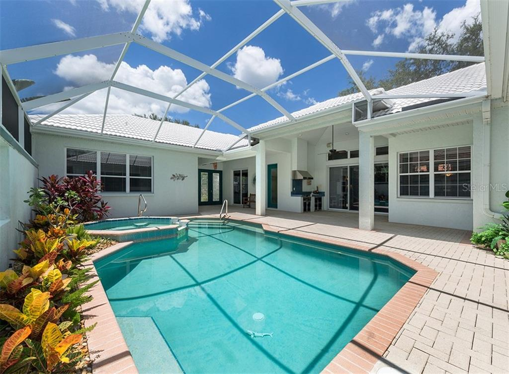 Single Family Home for sale at 396 Lansbrook Dr, Venice, FL 34292 - MLS Number is N6101454