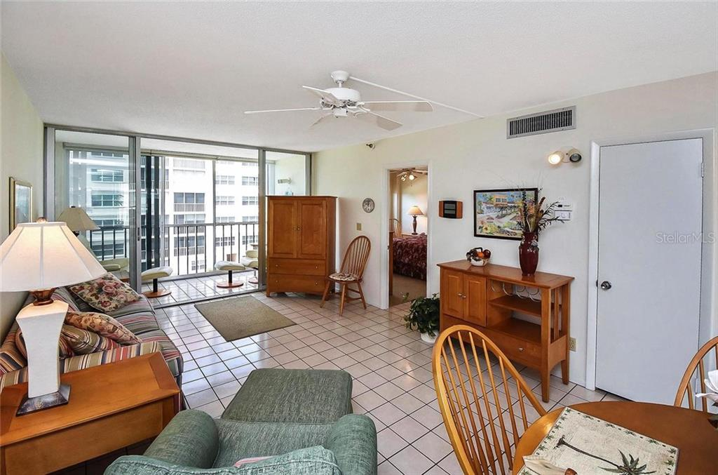 Living room - Condo for sale at 232 Saint Augustine Ave #405, Venice, FL 34285 - MLS Number is N6101830
