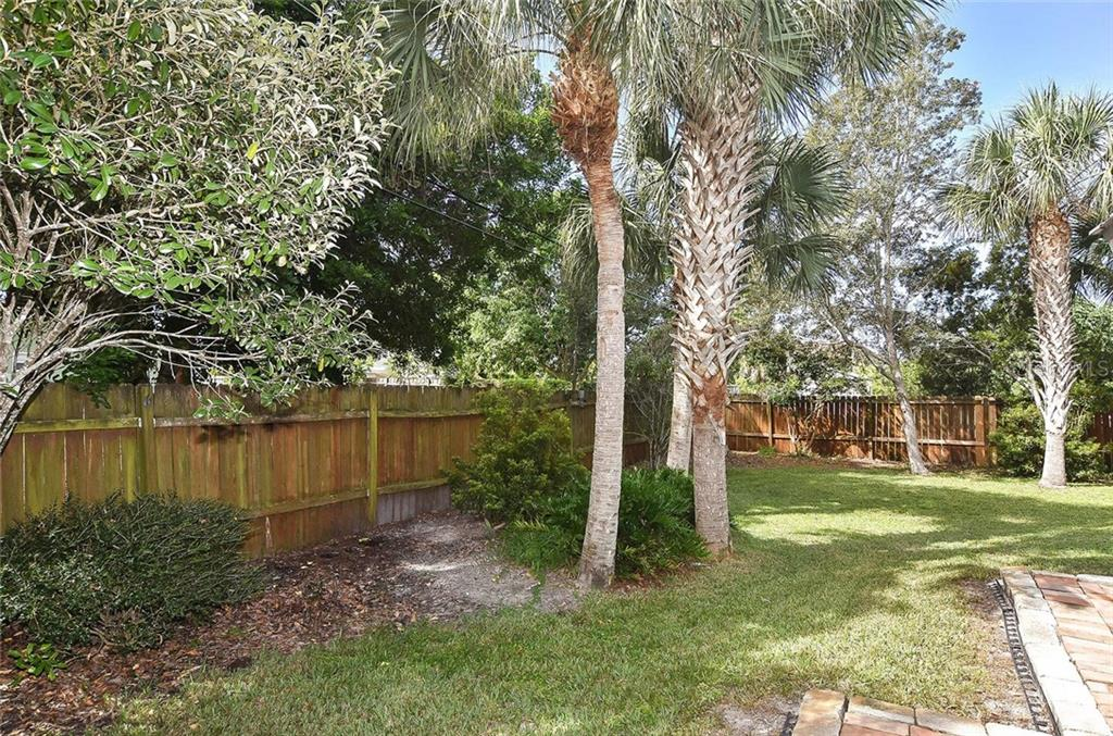 Very private yard comes fully fenced for privacy.  Room for a pool, if you wish. - Single Family Home for sale at 316 Alba St E, Venice, FL 34285 - MLS Number is N6102095