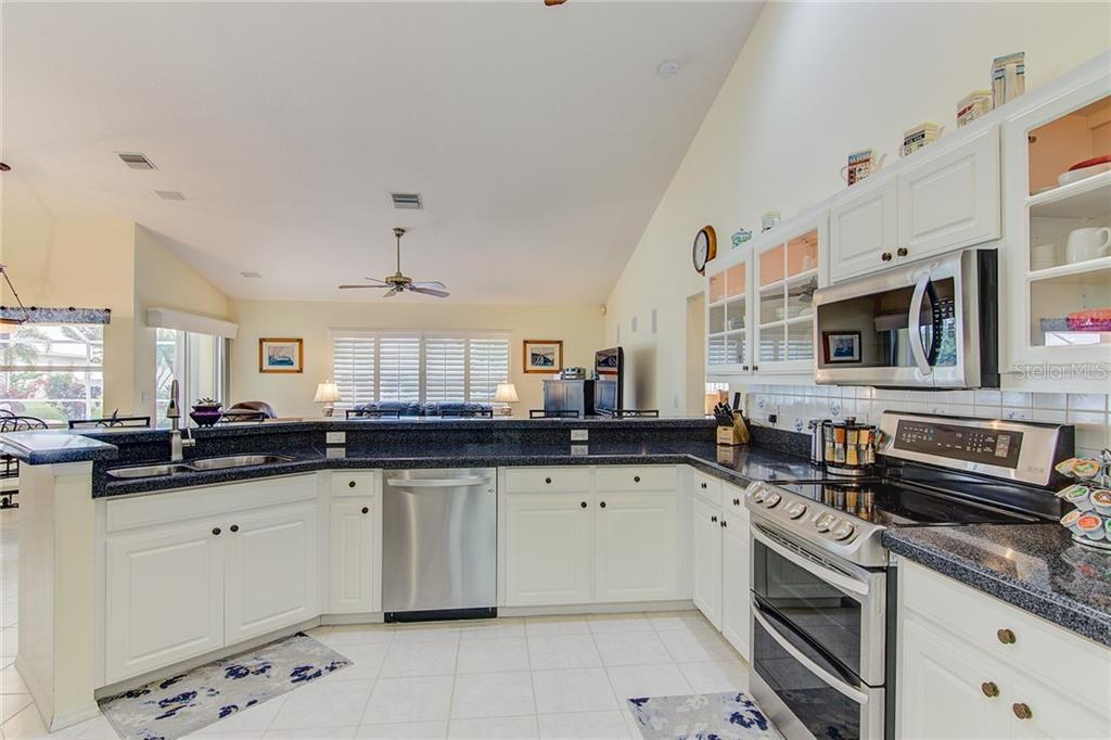 Kitchen - Single Family Home for sale at 531 Pennyroyal Pl, Venice, FL 34293 - MLS Number is N6103229