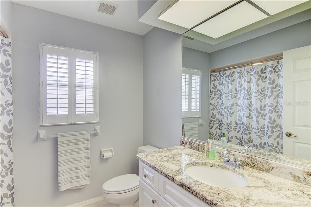 Guest Bath - Single Family Home for sale at 531 Pennyroyal Pl, Venice, FL 34293 - MLS Number is N6103229
