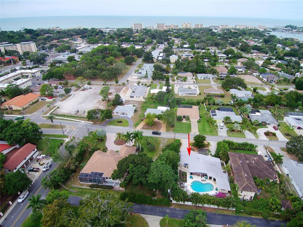 Single Family Home for sale at 308 Bayshore Dr, Venice, FL 34285 - MLS Number is N6103319