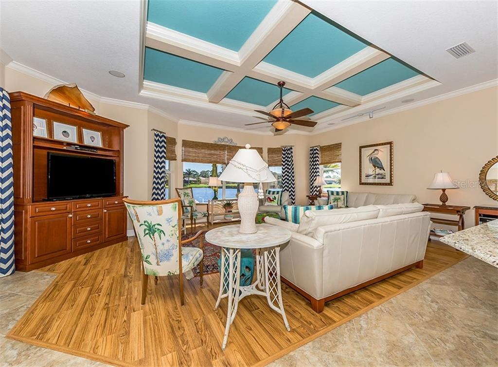 Family room - Single Family Home for sale at 19799 Cobblestone Cir, Venice, FL 34292 - MLS Number is N6104694