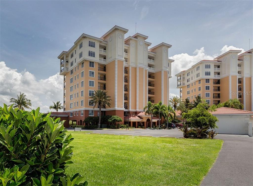 Building exterior - Condo for sale at 147 Tampa Ave E #902, Venice, FL 34285 - MLS Number is N6104823