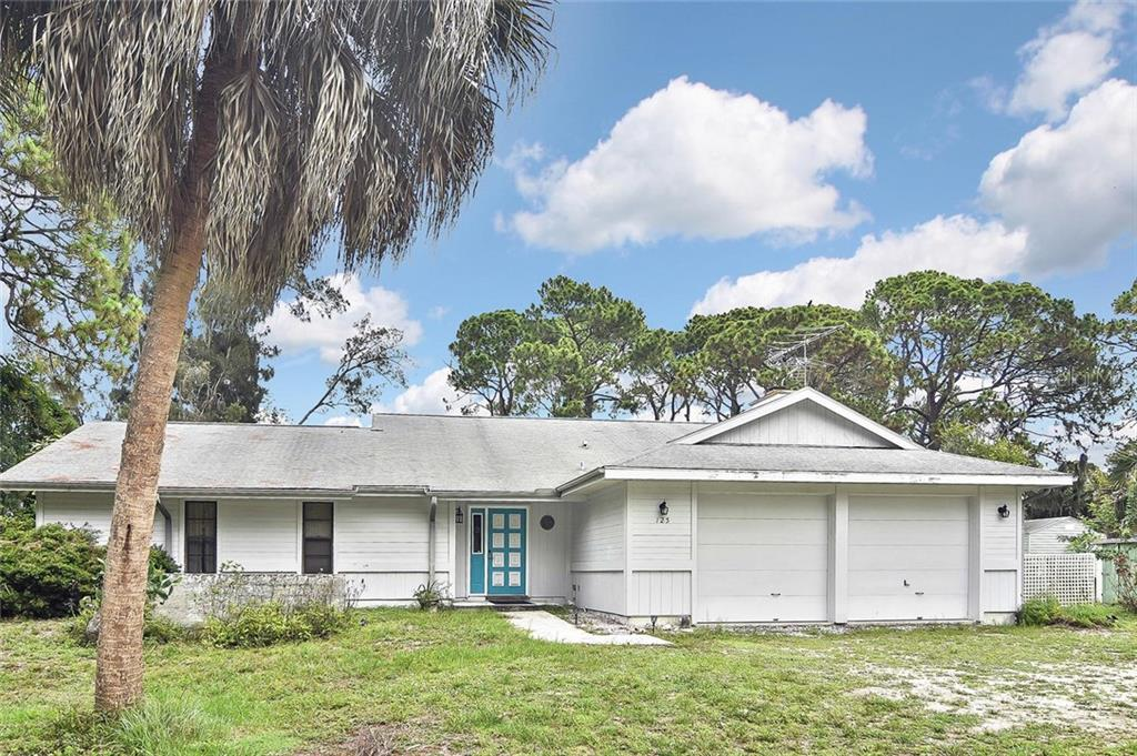 Front - Single Family Home for sale at 125 Palm Ave E, Nokomis, FL 34275 - MLS Number is N6105973