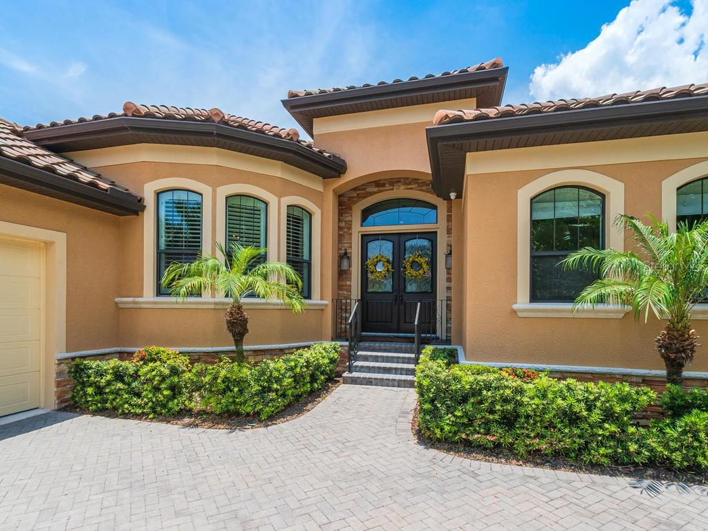Single Family Home for sale at 1050 Gulf Winds Way, Nokomis, FL 34275 - MLS Number is N6106314
