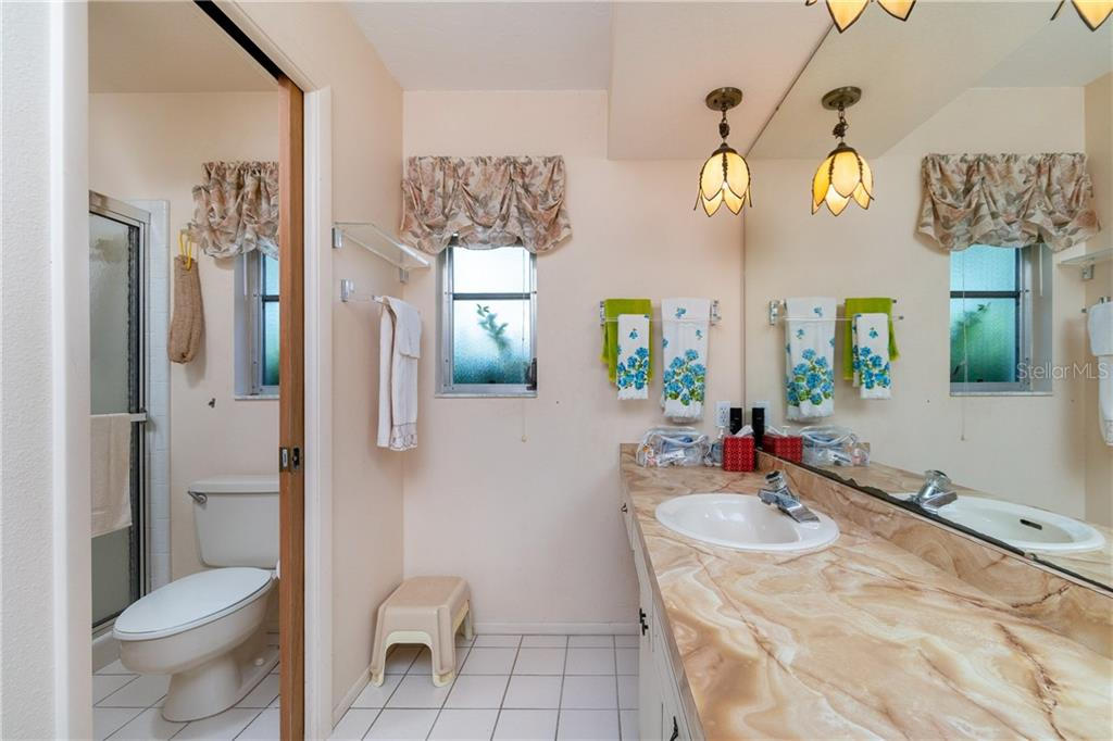 Master bath - Single Family Home for sale at 359 Renoir Dr, Osprey, FL 34229 - MLS Number is N6106429